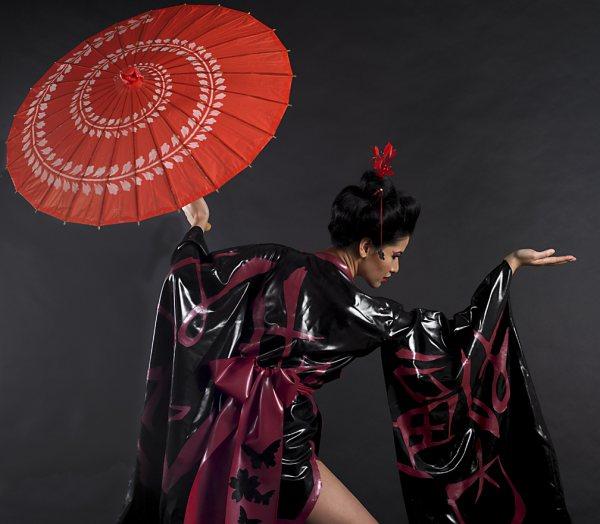 latex kimono, latex geisha