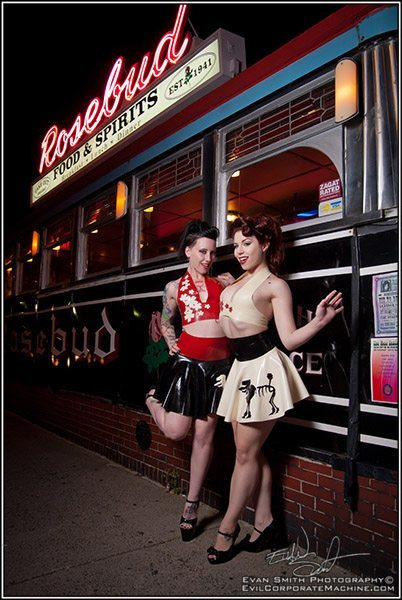 Ludella, Jeselyn, Latex pinup