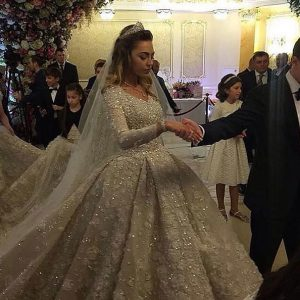 Russian-Oligarch-Wedding-Dress[1]